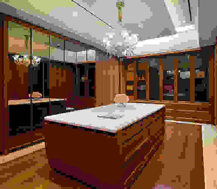 Ruang Ganti ARF interior Ruang Ganti Klasik Kayu Wood effect
