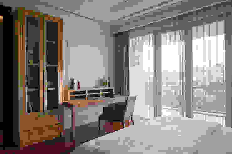 Bedroom / Work table ARF interior Classic style bedroom Wood Wood effect