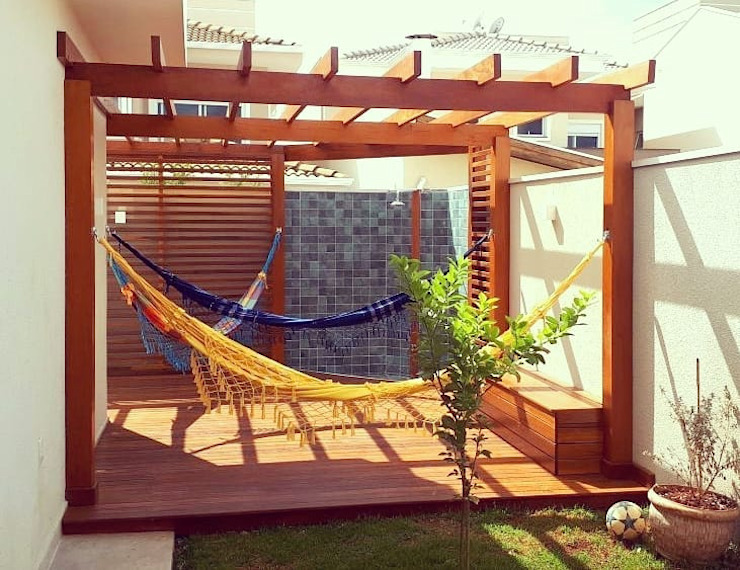 Country style garden by Vanessa Vosgrau Arquitetura Country Wood Wood effect