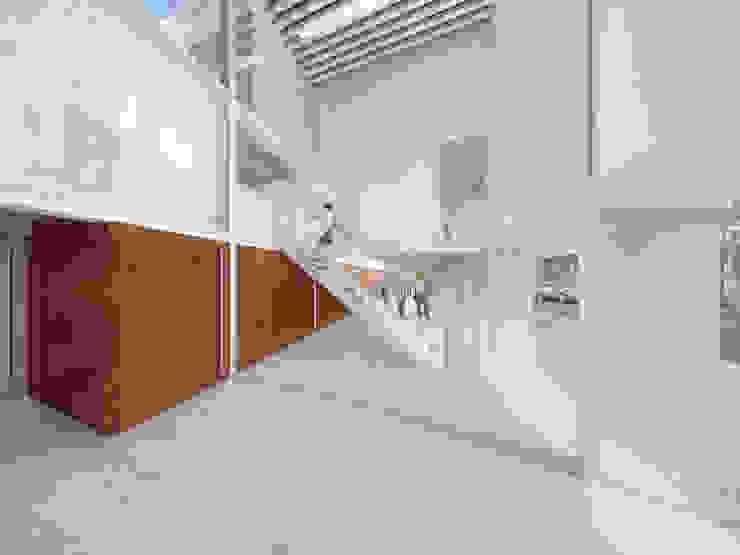 Moderne congrescentra van Mauricio Morra Arquitectos Modern