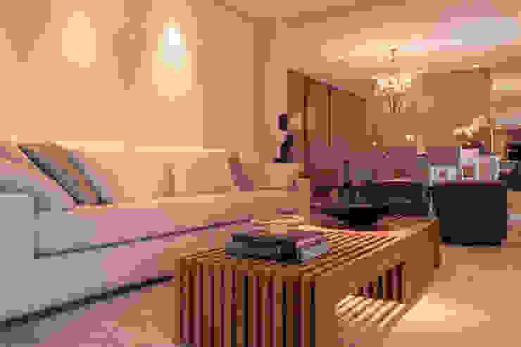 Modern living room by Flavia Castellan Arquitetura Modern