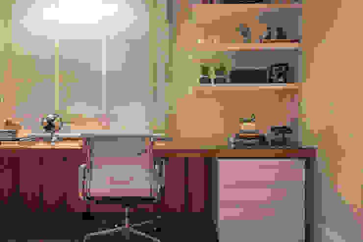 Modern study/office by Flavia Castellan Arquitetura Modern