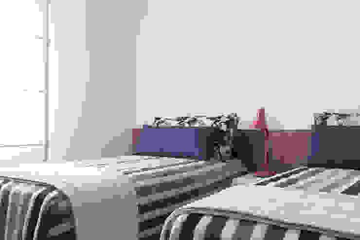 Modern style bedroom by Flavia Castellan Arquitetura Modern