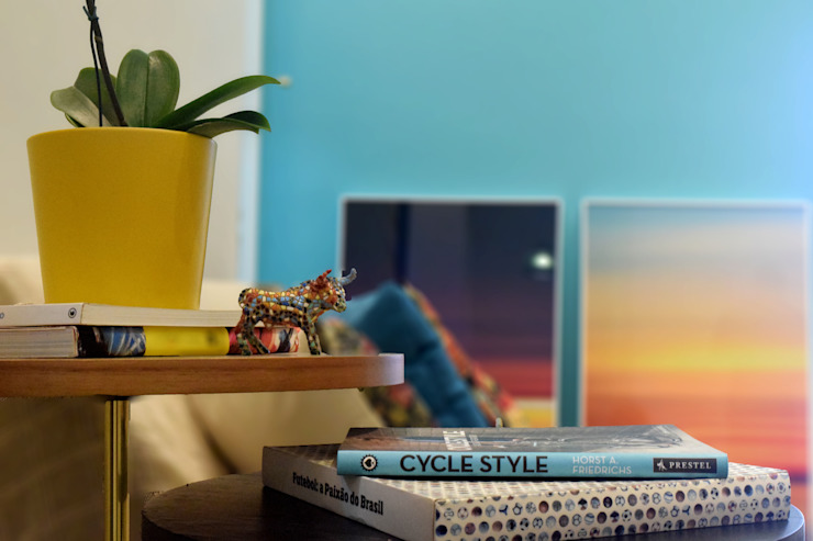 Modern living room by CORES - Arquitetura e Interiores Modern