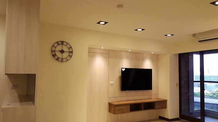 現代鄉村混搭風。八德 现代客厅設計點子、靈感 & 圖片 根據 藝舍室內裝修設計工程有限公司 現代風