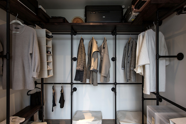 Closets industriais por 詩賦室內設計 Industrial