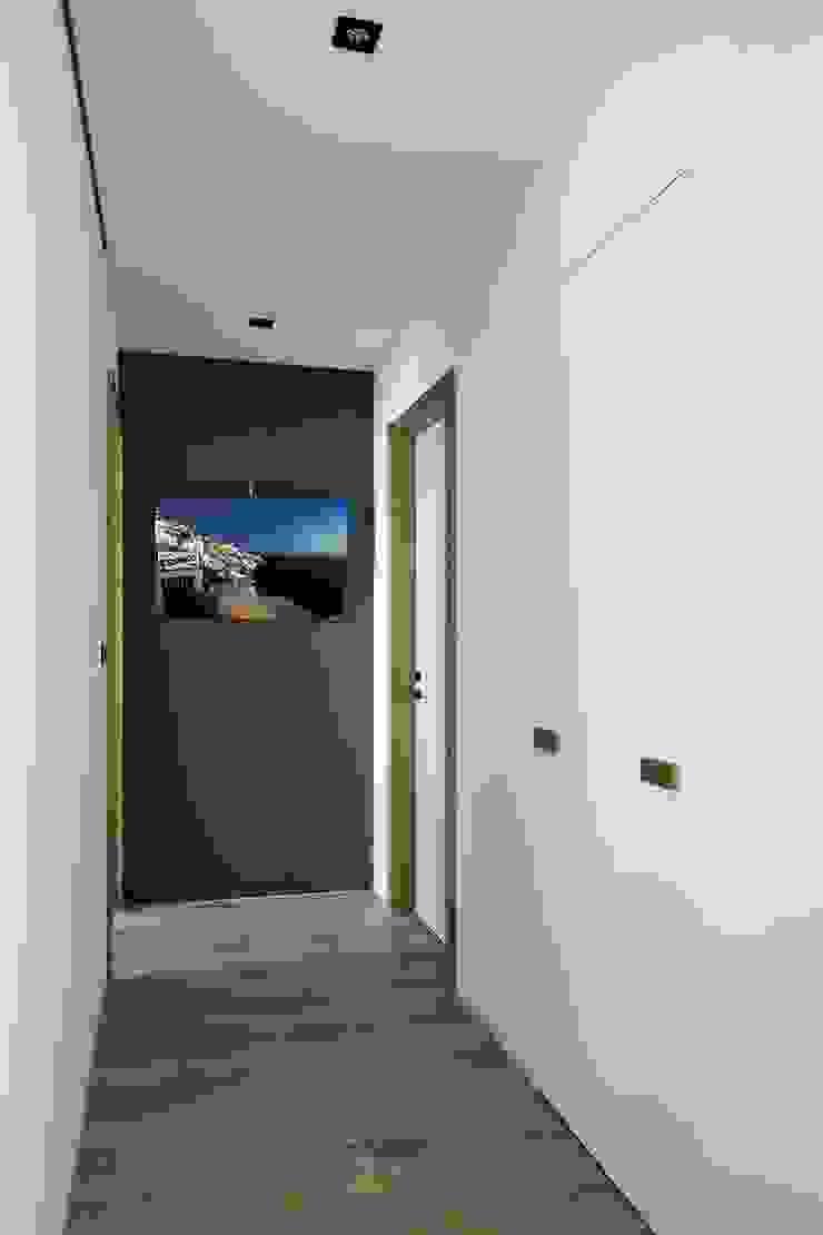 Scandinavian style doors by 詩賦室內設計 Scandinavian