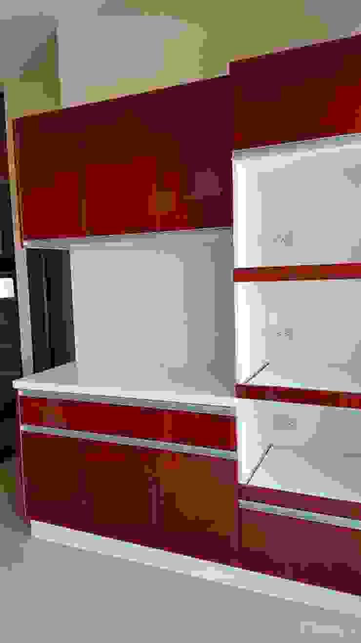 現代風。竹北 現代廚房設計點子、靈感&圖片 根據 藝舍室內裝修設計工程有限公司 現代風