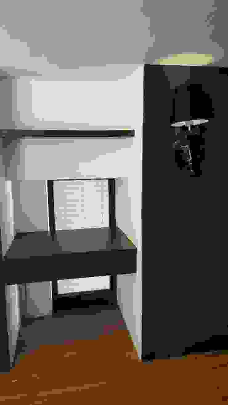 現代風。竹北 現代風玄關、走廊與階梯 根據 藝舍室內裝修設計工程有限公司 現代風