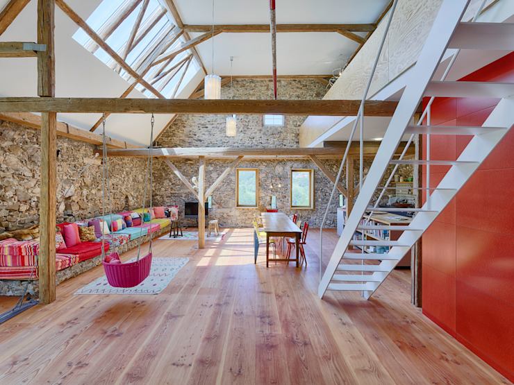 Farmhouse Renovation by Hiram Floors Rustic Solid Wood Multicolored