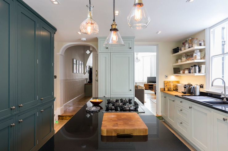 Kitchen Renovation:  Built-in kitchens by Resi Architects in London,
