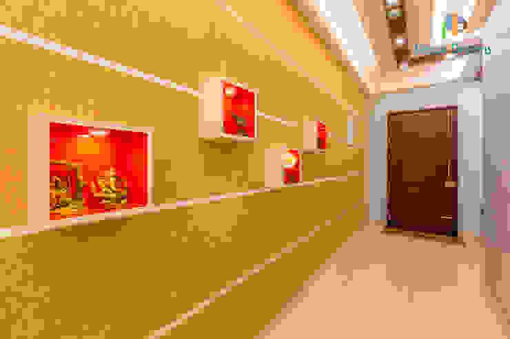 Vaishnavi Terraces, 3 BHK - Ms. Supriya DECOR DREAMS Modern corridor, hallway & stairs