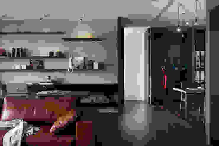邑田空間設計 Paredes y pisos de estilo moderno