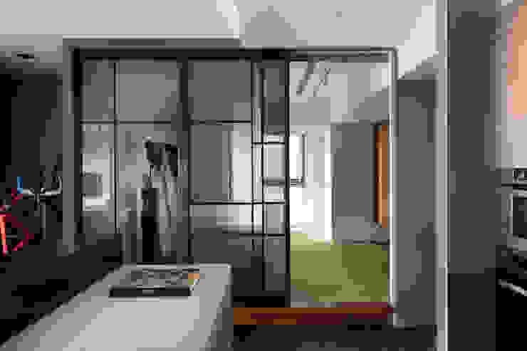 Bedroom by 邑田空間設計, Modern