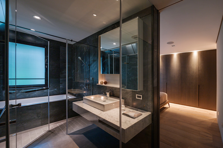 Linear Space 現代浴室設計點子、靈感&圖片 根據 沈志忠聯合設計 現代風