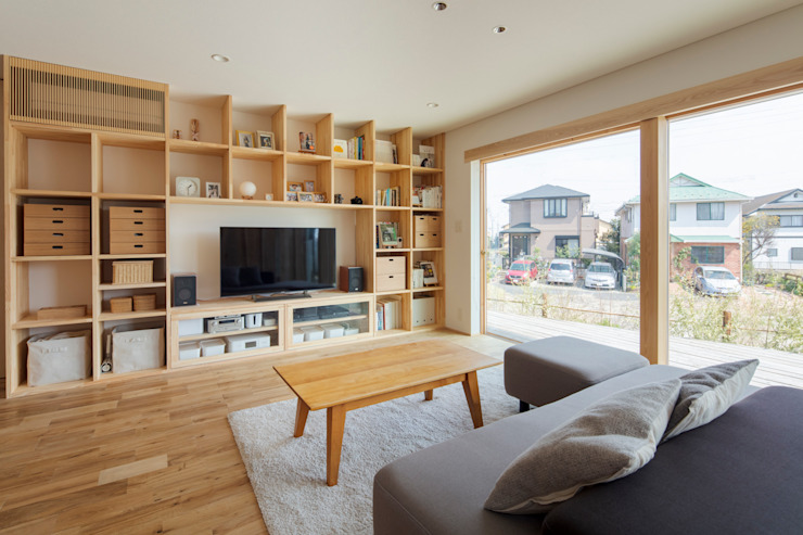 Eclectic style living room by 五藤久佳デザインオフィス有限会社 Eclectic