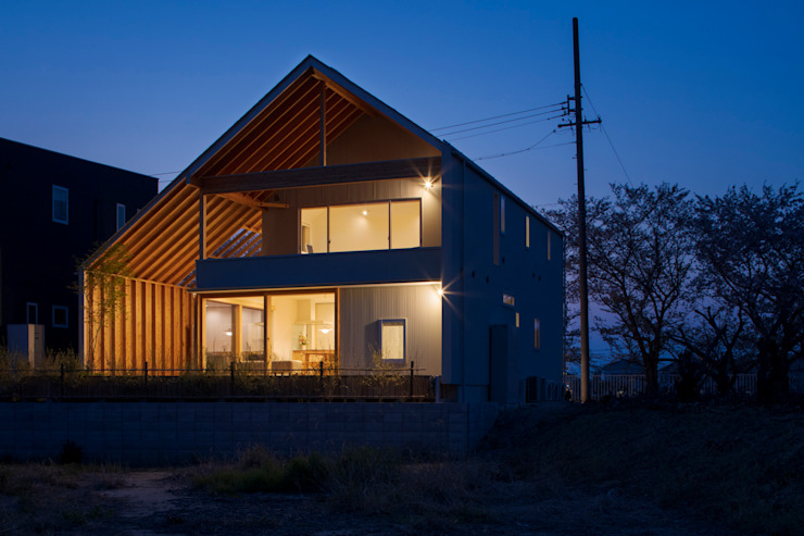 Eclectic style houses by 五藤久佳デザインオフィス有限会社 Eclectic