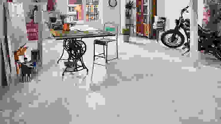 Mineraldesignboden JAVA Pola grey:  Arbeitszimmer von KWG Wolfgang Gärtner GmbH