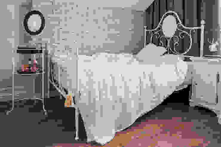 Dormitorios infantiles de estilo clásico de 'Студия дизайна Марины Кутеповой' Clásico