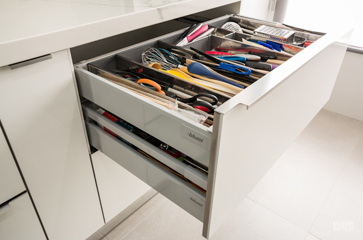 Moderestilo - Cozinhas e equipamentos Lda KitchenCutlery, crockery & glassware