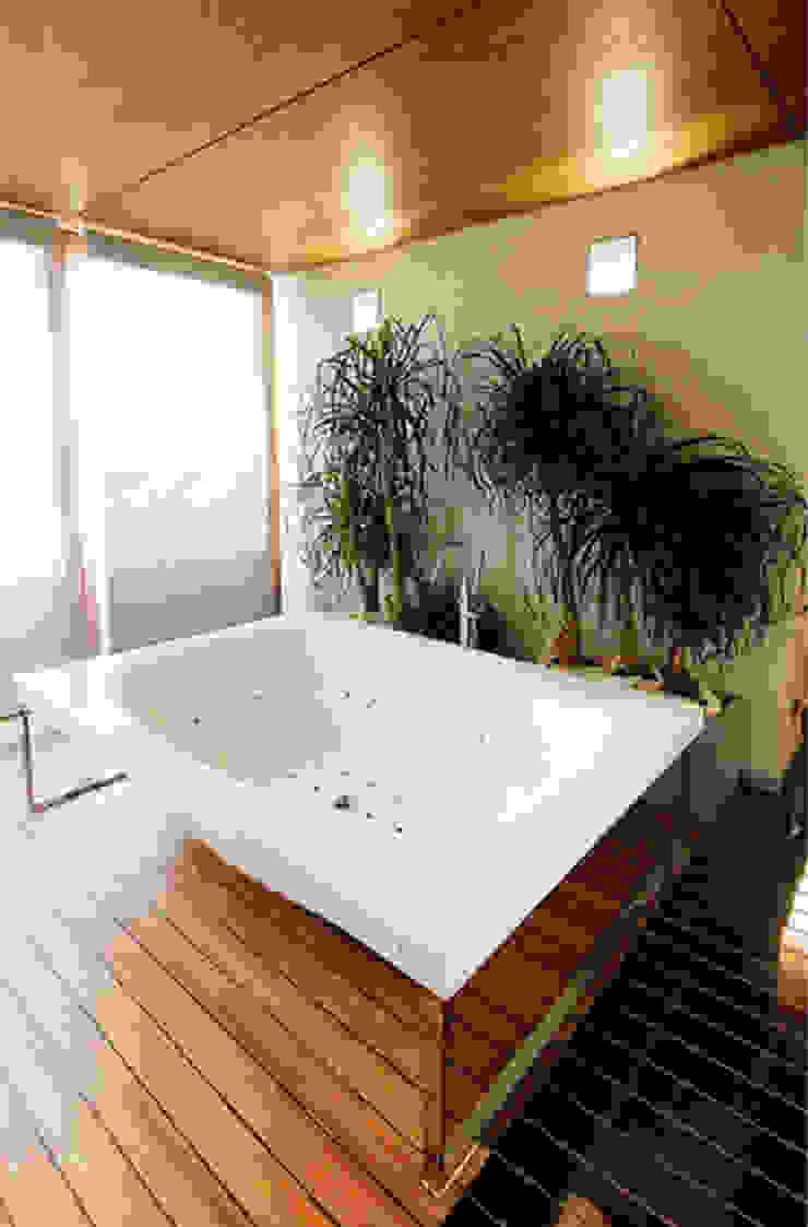 Canalmarmi e Graniti snc Salle de bain moderne Pierre