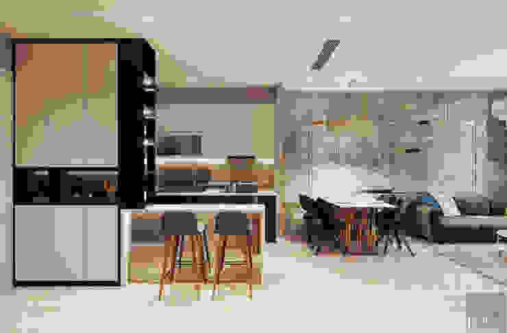 Sang trọng đẳng cấp với nội thất mạ Titan trong căn hộ Vinhomes Golden River Nhà bếp phong cách hiện đại bởi ICON INTERIOR Hiện đại
