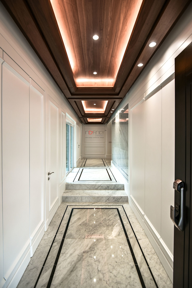 LUXURIOUS HOME Modern corridor, hallway & stairs by inDfinity Design (M) SDN BHD Modern