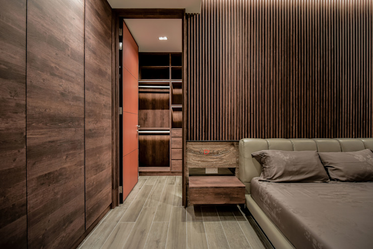 LUXURIOUS HOME inDfinity Design (M) SDN BHD Modern style bedroom Wood Brown