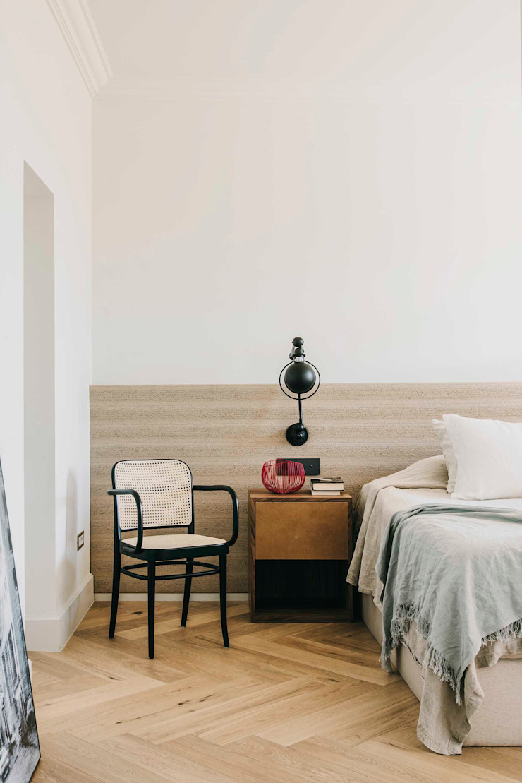 Classic style bedroom by ISABEL LOPEZ VILALTA + ASOCIADOS Classic