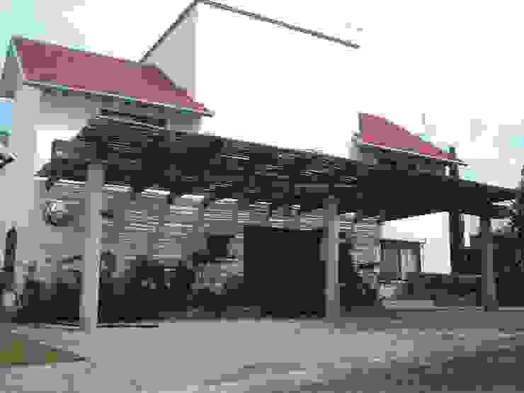 CUBIERTA DE COCHERA SERCOYDE SA DE CV Casas de campo Piedra Blanco