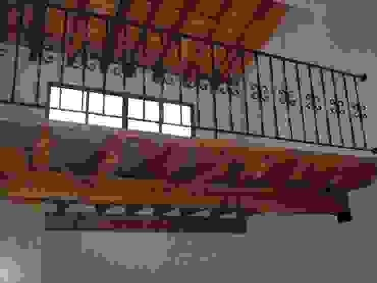 TAPANCOS EN RECÁMARAS SERCOYDE SA DE CV Casas de campo Madera maciza Blanco