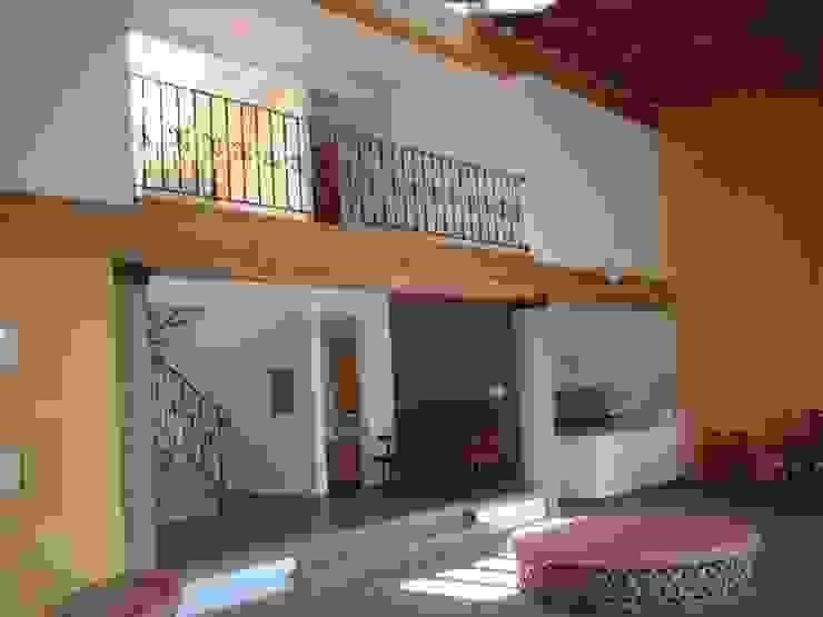 VISTA DESDE ESTANCIA SERCOYDE SA DE CV Casas de campo Madera maciza Blanco