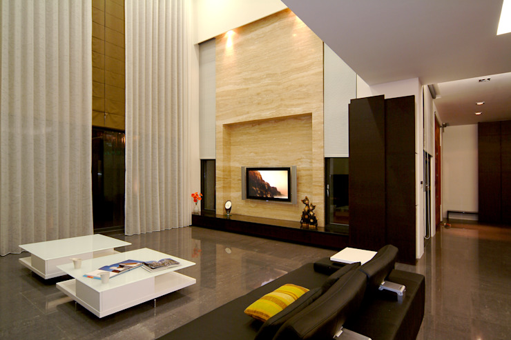 غرفة المعيشة تنفيذ 黃耀德建築師事務所  Adermark Design Studio
