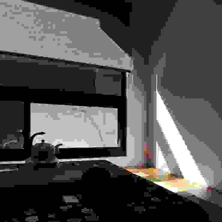 Puertas y ventanas de estilo minimalista de 黃耀德建築師事務所 Adermark Design Studio Minimalista