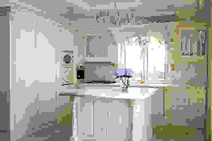 Роскошный интерьер кухни студия Design3F Кухня в классическом стиле Бежевый