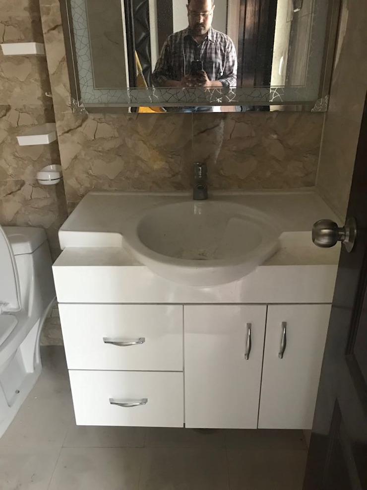 Bathroom Cupboards Design: modern  by Archplanest,Modern