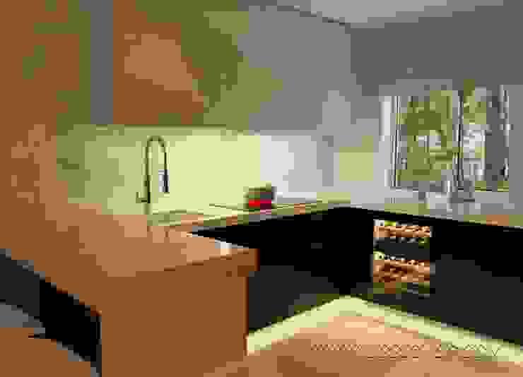 Cocinas de estilo minimalista de студия Design3F Minimalista