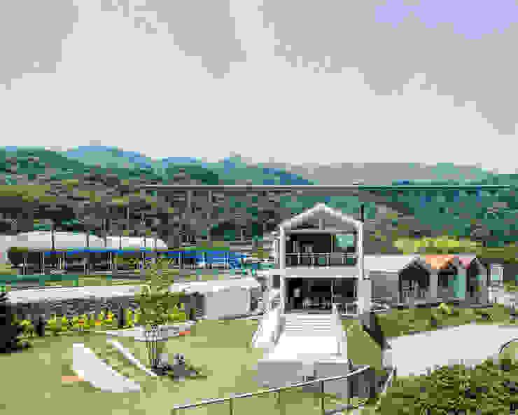 โดย 伊藤憲吾建築設計事務所 โมเดิร์น โลหะ
