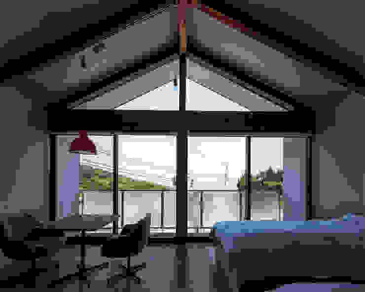 โดย 伊藤憲吾建築設計事務所 โมเดิร์น ไม้ Wood effect