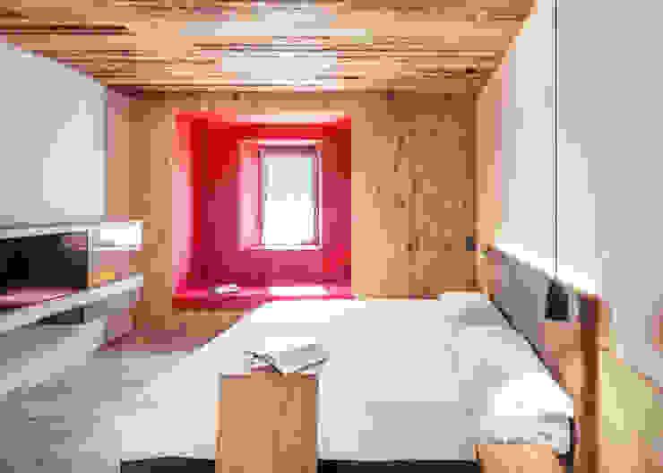 raro BedroomBeds & headboards