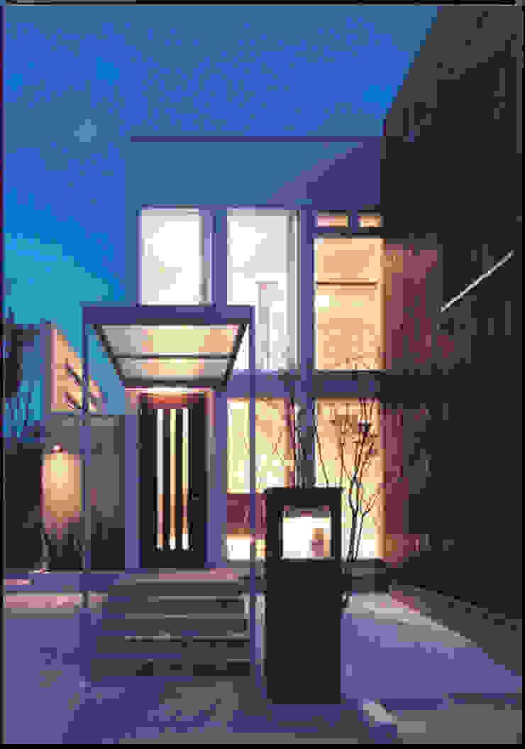 湘南の海を眺望し、本格的なオーディオルームを楽しむ モダンな 家 の 豊田空間デザイン室 一級建築士事務所 モダン