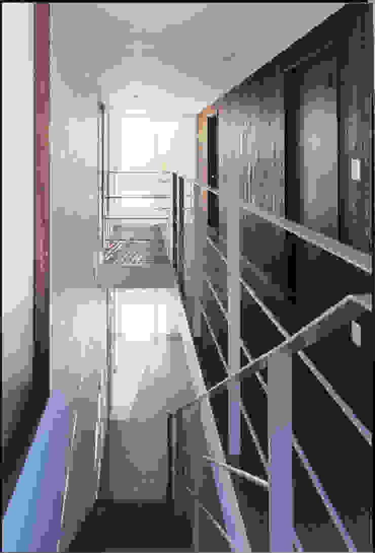 湘南の海を眺望し、本格的なオーディオルームを楽しむ の 豊田空間デザイン室 一級建築士事務所 モダン