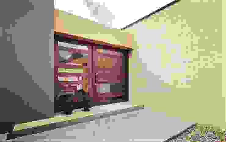 Casa H Puertas de estilo minimalista de David Macias Arquitectura & Urbanismo Minimalista