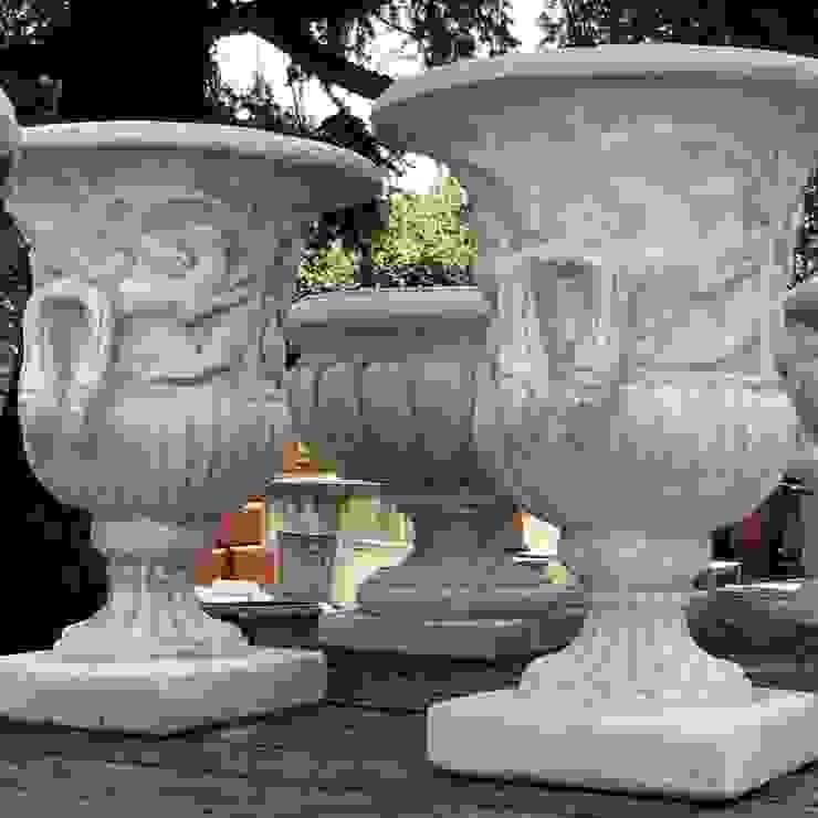 Vasi, fioriere, fontane, statue e tanto altro ancora Tonazzo Srl GiardinoFioriere & Vasi Cemento Bianco