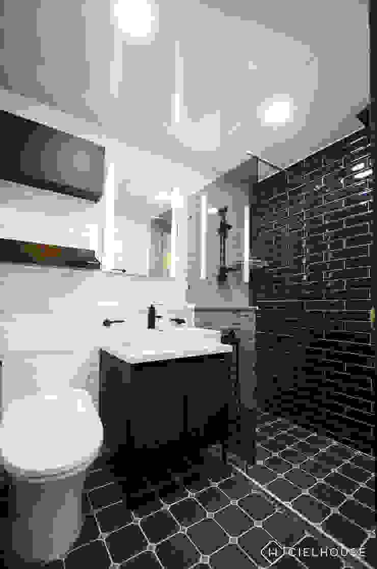 트렌디하면서 고급스러운 모던 클래식한 50평대 아파트인테리어 모던스타일 욕실 by 씨엘하우스 모던