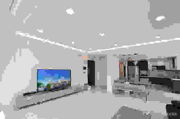 트렌디하면서 고급스러운 모던 클래식한 50평대 아파트인테리어 클래식스타일 거실 by 씨엘하우스 클래식