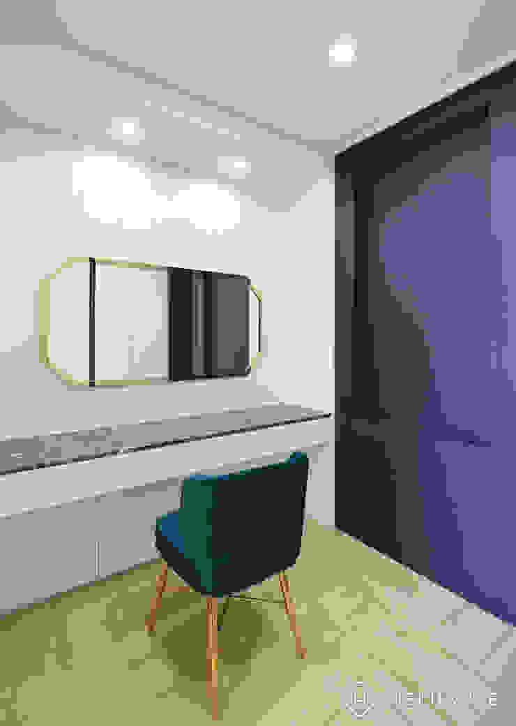 트렌디하면서 고급스러운 모던 클래식한 50평대 아파트인테리어 클래식스타일 드레싱 룸 by 씨엘하우스 클래식