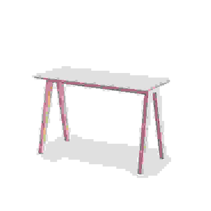 Olivia Desk: scandinavian  by Multiply Furniture, Scandinavian Wood Wood effect