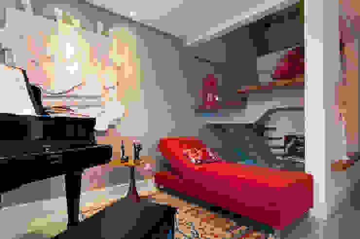 Estar aconchegante Salas de estar modernas por Bernal Projetos - Arquitetos em Salvador Moderno