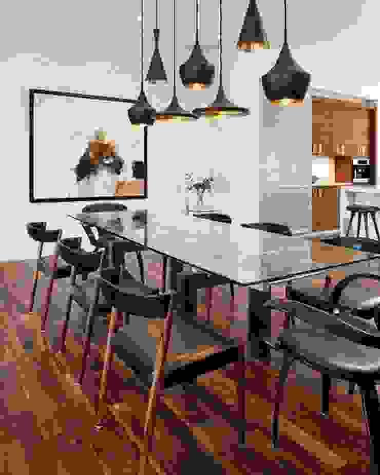 Industrial meets modern Modern dining room by Adore Design Modern